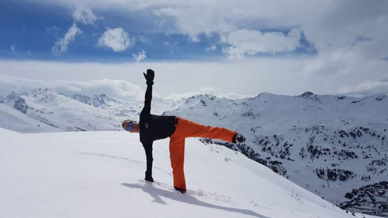 6 key yoga poses for skiing
